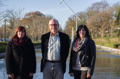 Picture (taken by Adina Preda): Emeritus Professor Peadar Kirby (UL) awarding Niamh Dillon and Miriam Ryan with the 2016 Peadar Kirby FYP Pri