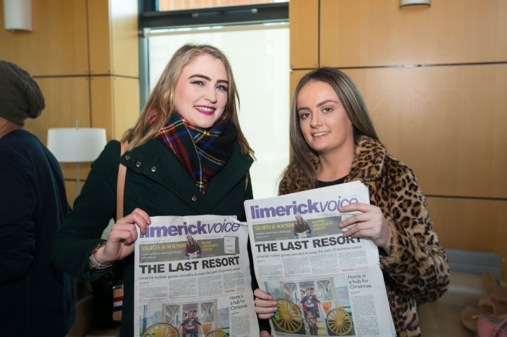 REPRO FREE 07/12/17 Limerick Voice newspaper is tenth edition from journalism students at University of Limerick. Pictured at the launch at the University of Limerick was Holly Kenny, Journalism and New Media and Louise Kennedy, Limerick Voice 2017. The 40-page local newspaper, produced by masters and fourth year undergraduate journalism students at the University of Limerick. The paper will be distributed across Limerick city and county with this weekend's edition of the Limerick Leader newspaper.  The online news website www.limerickvoice.com has been live since September, covering daily breaking news and sports stories. Limerick Voice has also been active across all social media platforms including Facebook, Twitter and Instagram. Photo: Oisin McHugh True Media